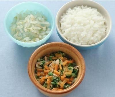 サーモンと野菜のみそ煮、もやしのおひたし