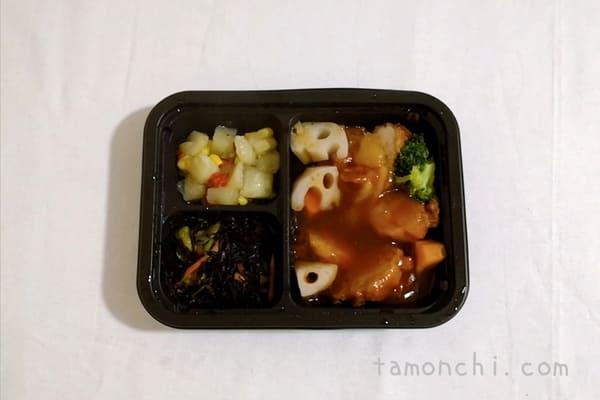 ヨシケイのシンプルミール鶏唐揚げの酢豚風の写真
