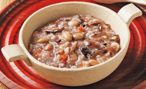 ヨシケイ和彩ごよみアシストの米粥。